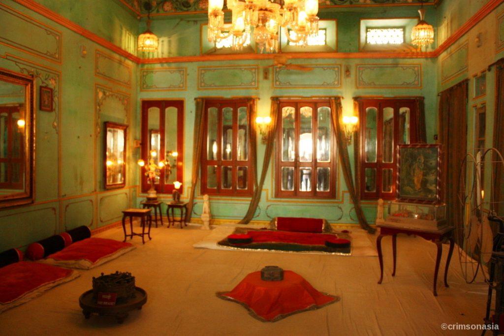 city palace udaipur rajasthan crimsonasia
