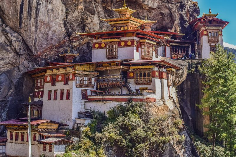 tigers nest monastery bhutan pixabay